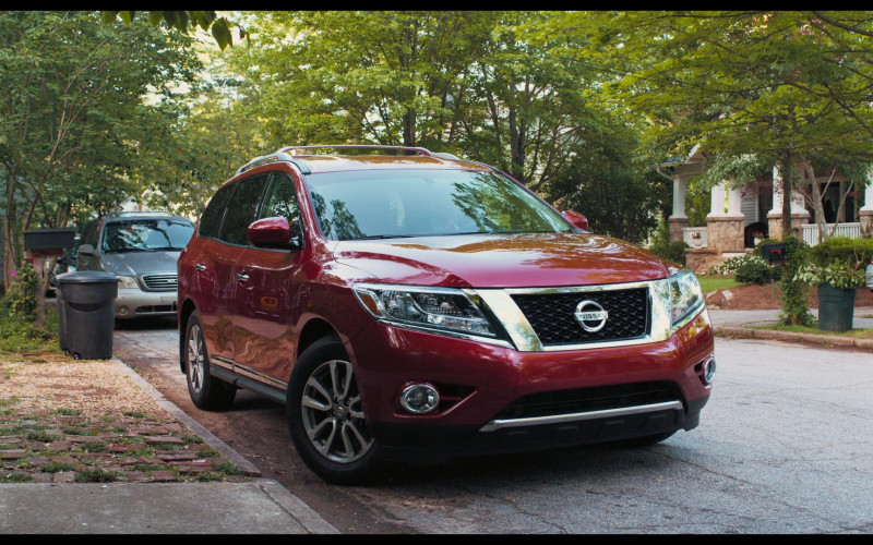 Nissan Pathfinder SL Red SUV in The War with Grandpa 2020 Movie (2)