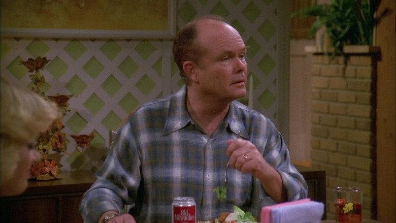 Old Milwaukee Beer Can of Kurtwood Smith as Red Forman in That '70s Show S01E25 (2)