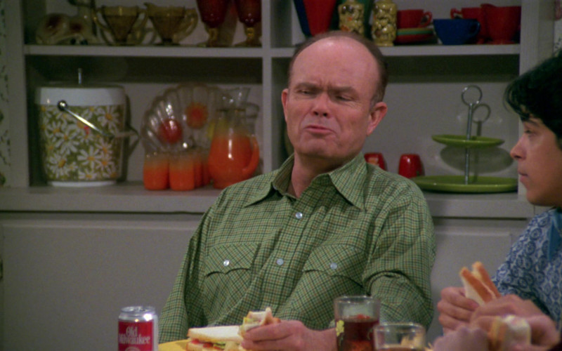Old Milwaukee Beer of Kurtwood Smith as Red Forman in That '70s Show S02E21 (1)