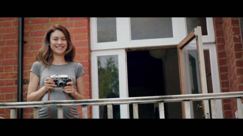 Olga Kurylenko Using Leica M6 Camera in The Bay of Silence Movie (1)