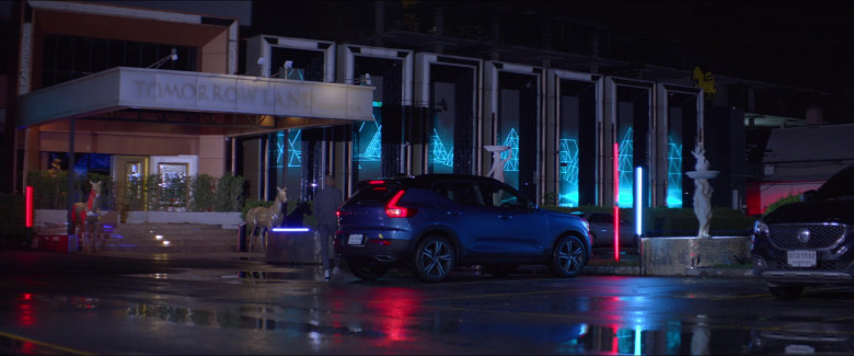One Night in Bangkok – Volvo XC40 T5 AWD R-Design Blue SUV (4)