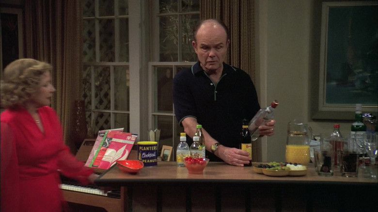 Planters Cocktail Peanuts in That '70s Show S06E16