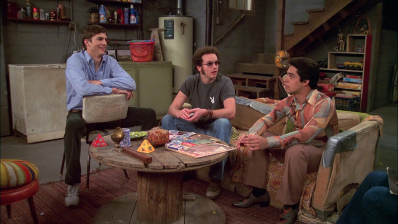 Playboy Bunny Logo Gray T-Shirt Outfit of Danny Masterson as Steven Hyde in That '70s Show S07E20