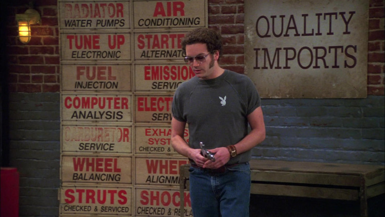 Playboy Men's T-Shirt of Danny Masterson as Steven Hyde in That '70s Show S08E16 (1)
