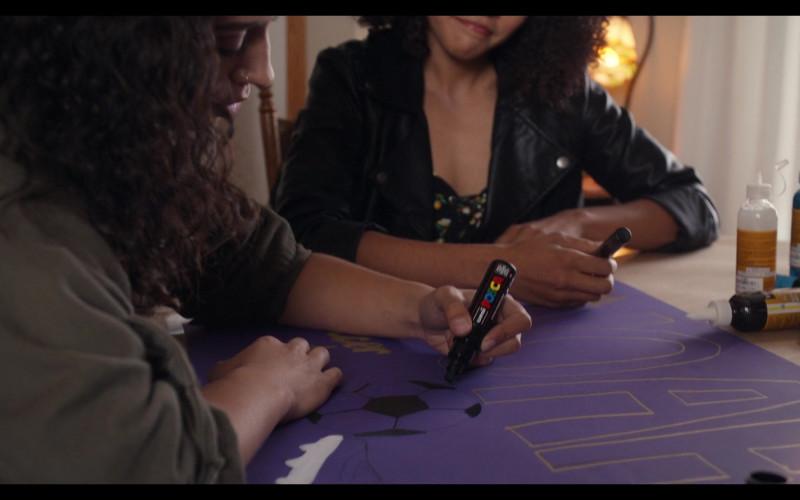 Posca Paint Marker Pen Used by Actress Kiana Madeira as Moe Truax in Trinkets S02E05 Netflix TV Show