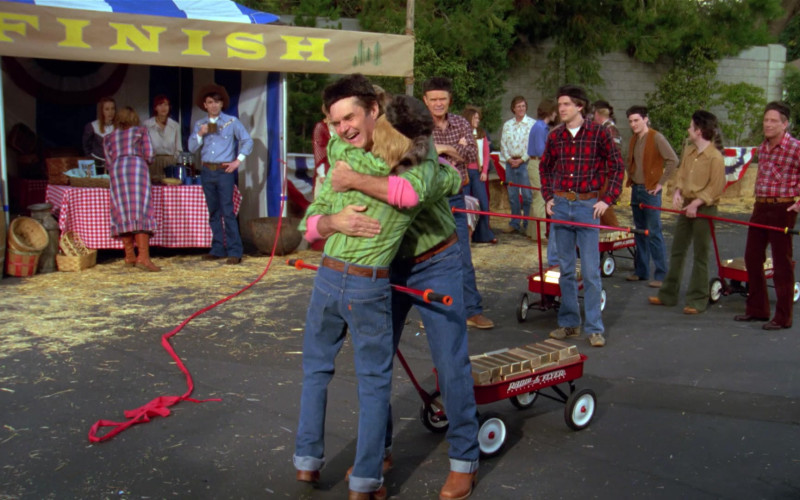 Radio Flyer Wagons in That '70s Show (3)