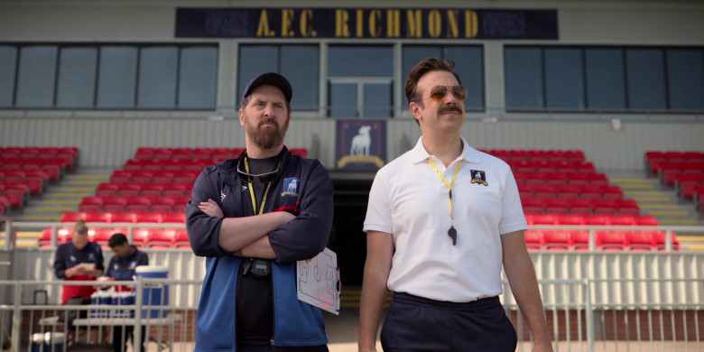 Ray-Ban Aviator Sunglasses of Jason Sudeikis in Ted Lasso S01E02 (1)
