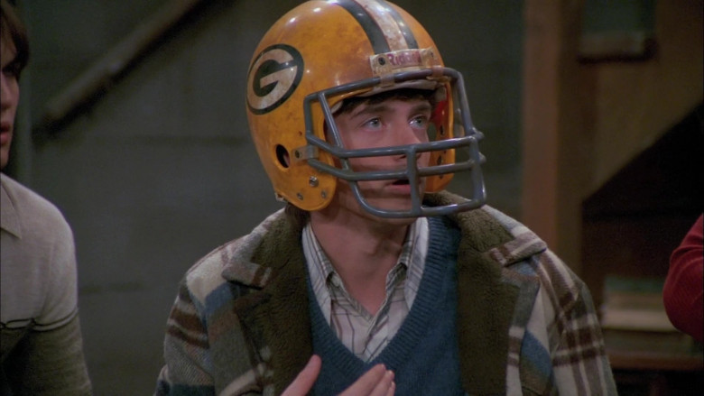 Riddell Helmet Worn by Topher Grace as Eric in That '70s Show S05E07 (1)