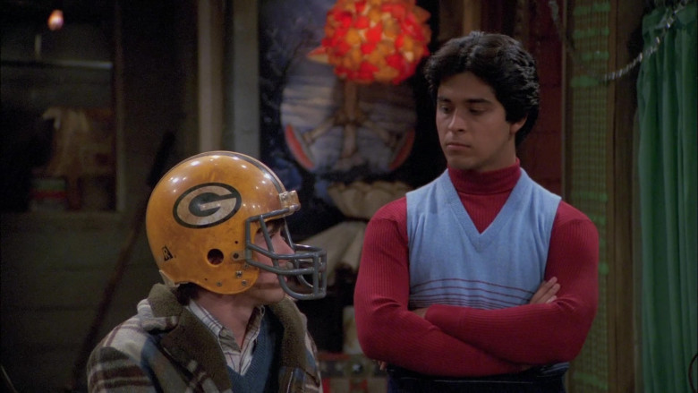 Riddell Helmet Worn by Topher Grace as Eric in That '70s Show S05E07 (2)