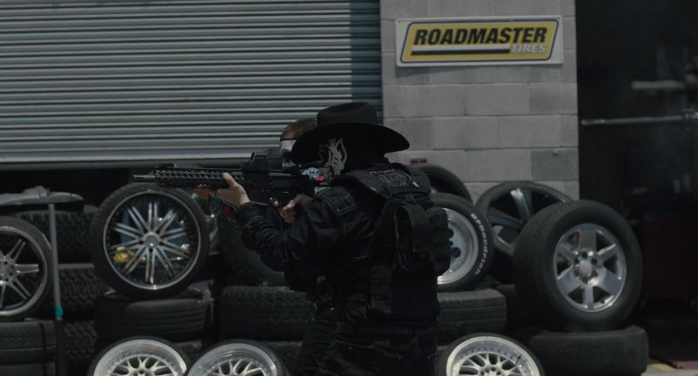 Roadmaster Tires Sign in The Tax Collector (2020)