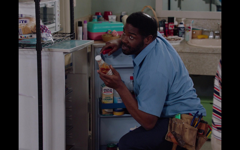Rockview Coffee Creamer and Heinz Ketchup in Room 104 S04E05