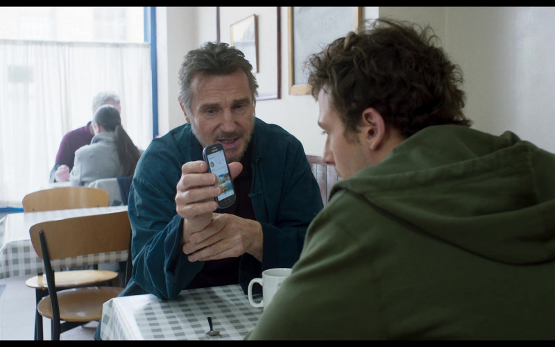Samsung Phone of Liam Neeson in Made in Italy (1)