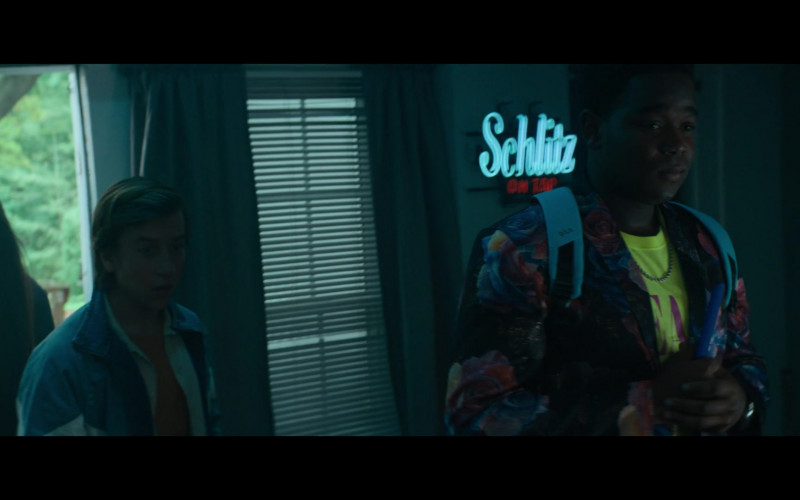 Schlitz Beer Sign in The Binge Movie (1)