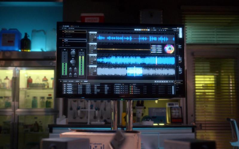 Sony TV in Lucifer S05E06 BlueBallz (2020)