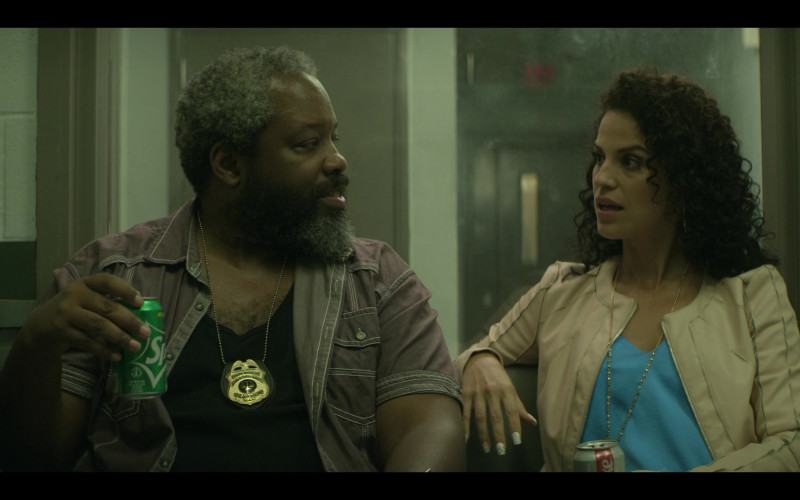 Sprite Soda Enjoyed by Kadeem Hardison as Bowser in Teenage Bounty Hunters S01E06