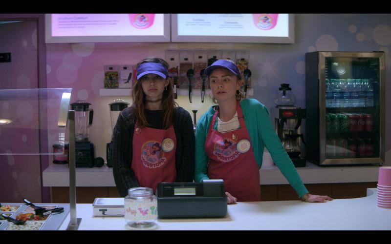 Sprite and Coca-Cola Cans in Teenage Bounty Hunters S01E01 (2)