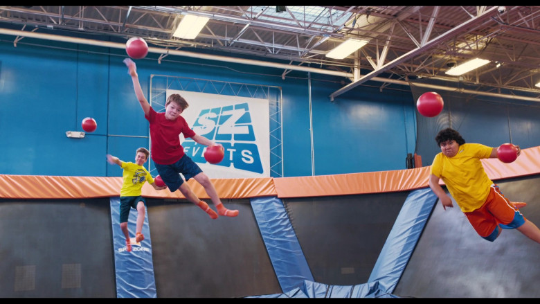 The War with Grandpa Filming Location – Sky Zone Indoor Trampoline Park (8)