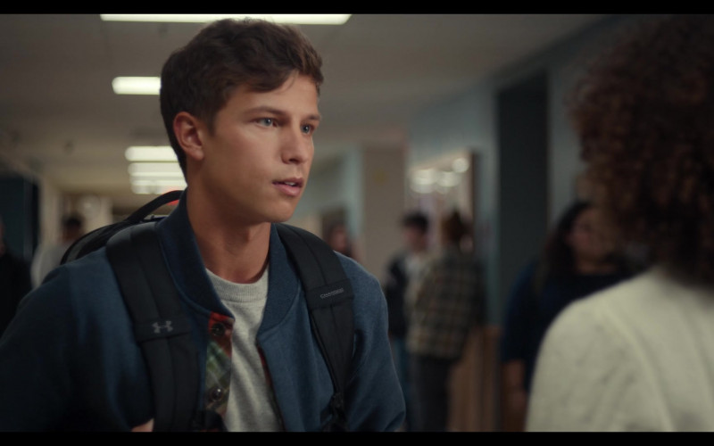 UA Backpack of Brandon Butler as Brady in Trinkets S02E04