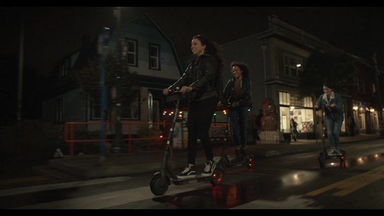 Vans Shoes Outfit of Kiana Madeira as Moe Truax in Trinkets S02E02