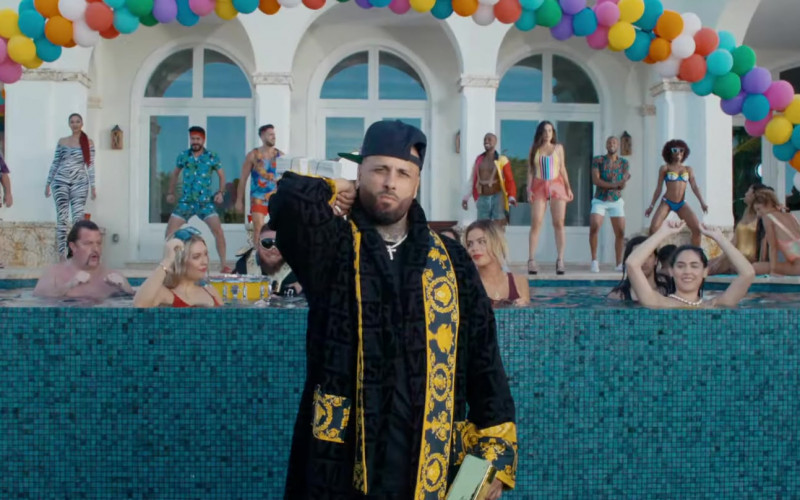 "Versace Bathrobe Outfit of Nicky Jam in ""VIDA LOCA"" Music Video"