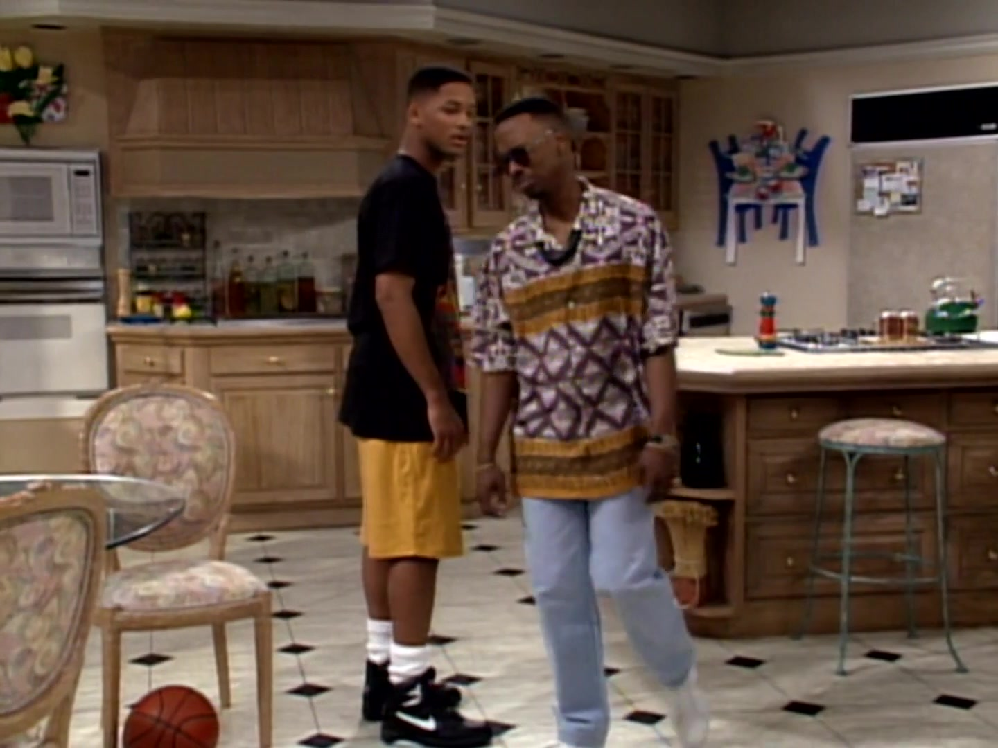Nike Black Shoes Of Will Smith In The Fresh Prince Of Bel Air S03e07 Here Comes The Judge 1992