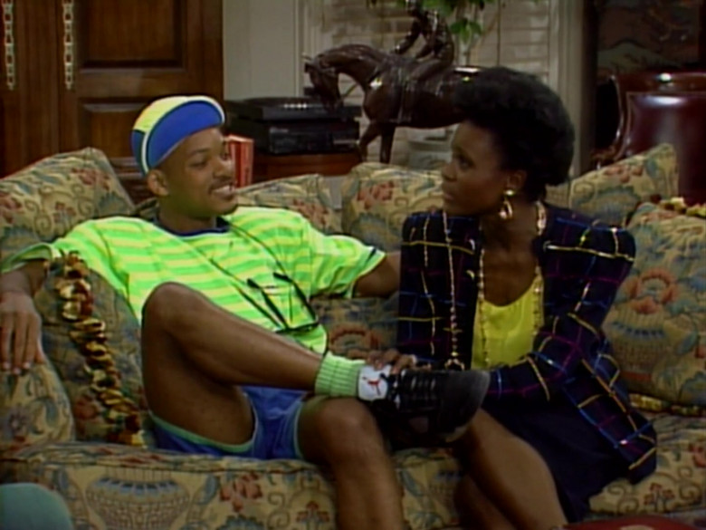 Will Smith Wears Air Jordan Black Sneakers, Green T-Shirt and Blue Shorts Outfit (2)
