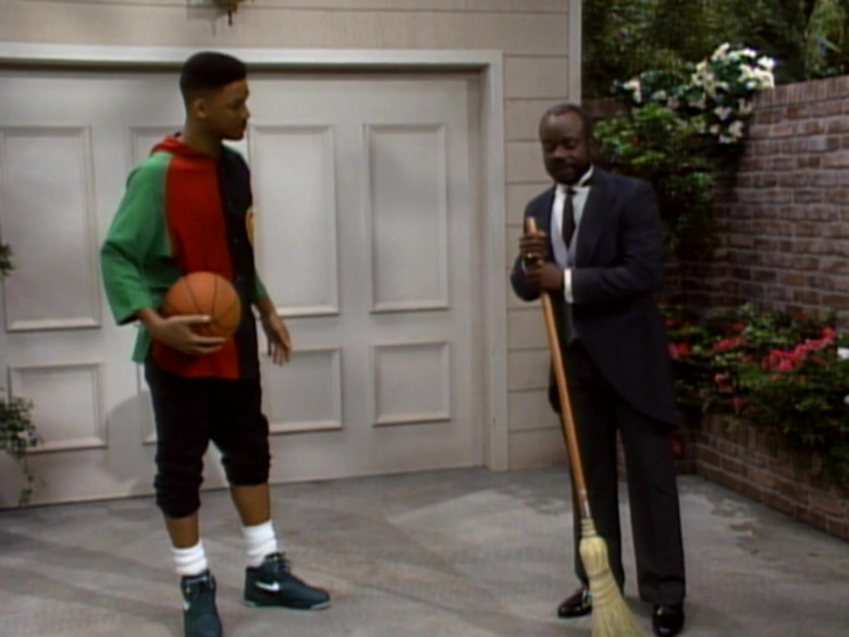 Will Smith Wears Nike Green Sneakers, Colorblock Hoodie and Black Shirt Fashion Outfit (3)