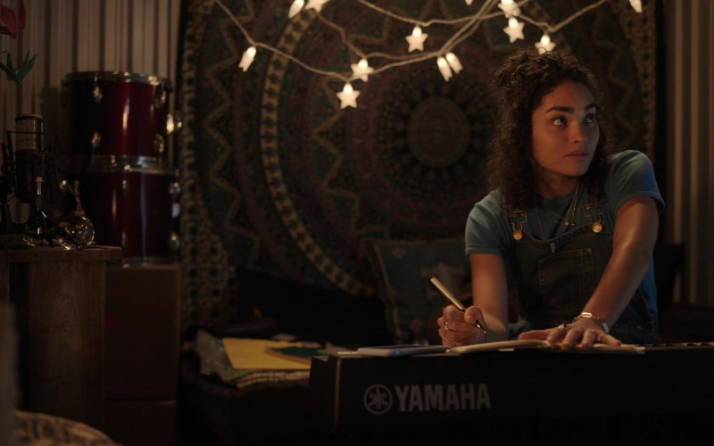 Yamaha Keyboard Used by Brittany O'Grady in Little Voice S01E06