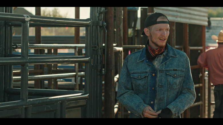 Yellowstone S03E10 Outfits – Wrangler Denim Jacket Worn by Jefferson White as Jimmy (2)