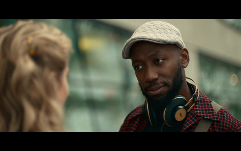 AKG Headphones Used by Lamorne Morris as Keef in Woke S01E05 (2)