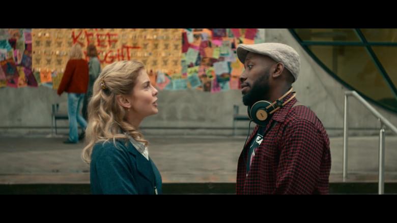 AKG Headphones Used by Lamorne Morris as Keef in Woke S01E05 (3)