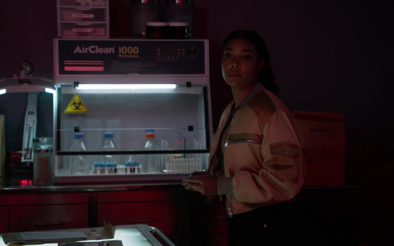 AirClean Systems in L.A.'s Finest S02E10 (1)