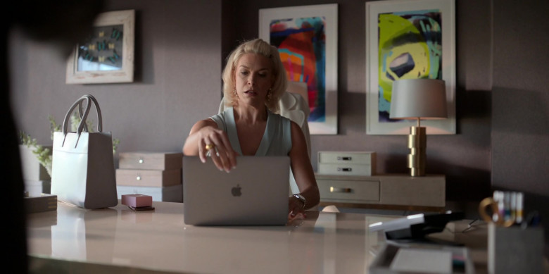 Apple MacBook Laptop Used by Actress Hannah Waddingham in Ted Lasso S01E08