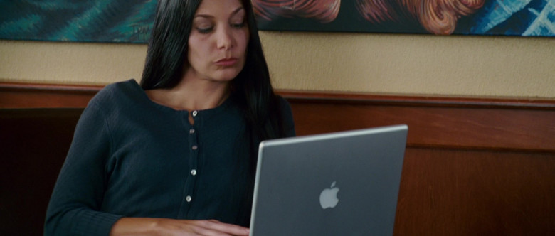 Apple MacBook Laptop Used by Actress in Wild Hogs (2007)