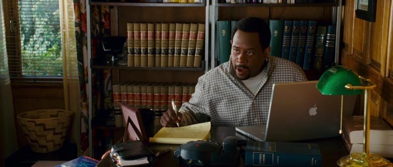 Apple MacBook Laptop of Martin Lawrence as Bobby Davis in Wild Hogs (2007)