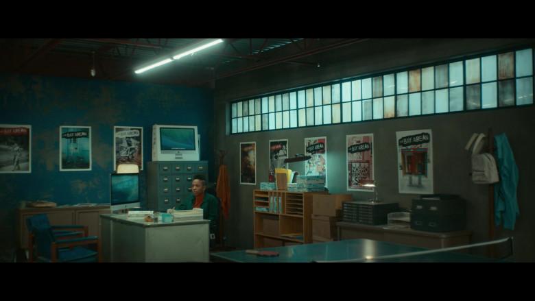Apple iMac Computer and Box of Sasheer Zamata as Ayana in Woke S01E04 (2)