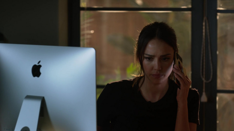 Apple iMac Computer of Jessica Alba as Nancy McKenna in L.A.'s Finest S02E13 (1)