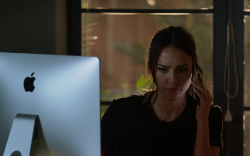 Apple iMac Computer of Jessica Alba as Nancy McKenna in L.A.'s Finest S02E13 (1)