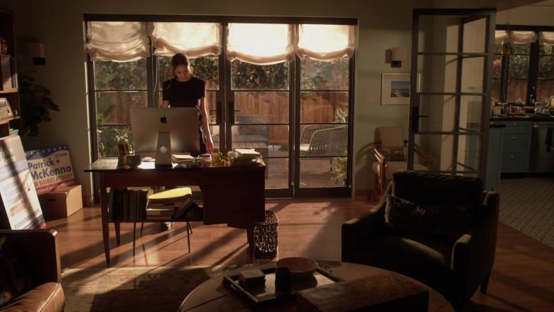 Apple iMac Computer of Jessica Alba as Nancy McKenna in L.A.'s Finest S02E13 (2)