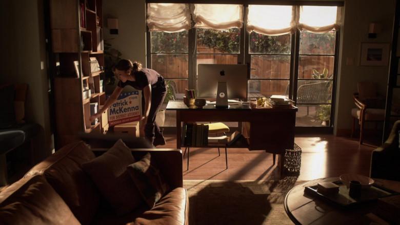 Apple iMac Computer of Jessica Alba as Nancy McKenna in L.A.'s Finest S02E13 (3)