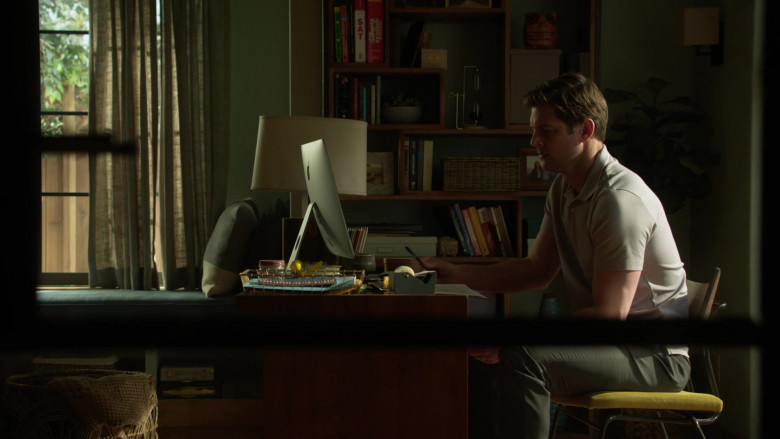 Apple iMac Computer of Ryan McPartlin as Dr. Patrick McKenna in L.A.'s Finest S02E12 (1)