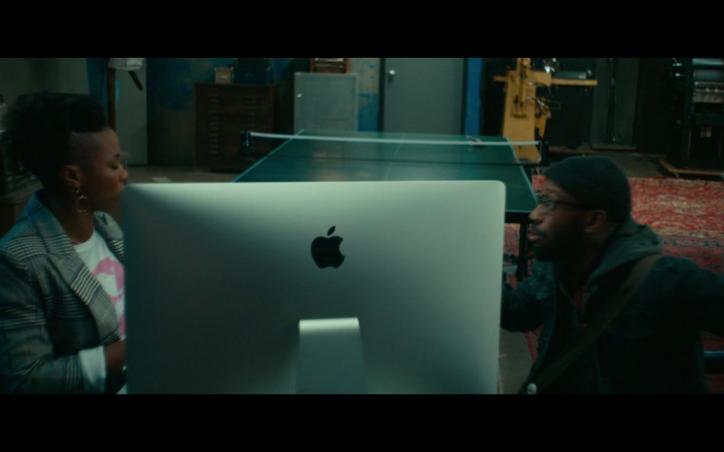 Apple iMac Computer of Sasheer Zamata as Ayana in Woke S01E02