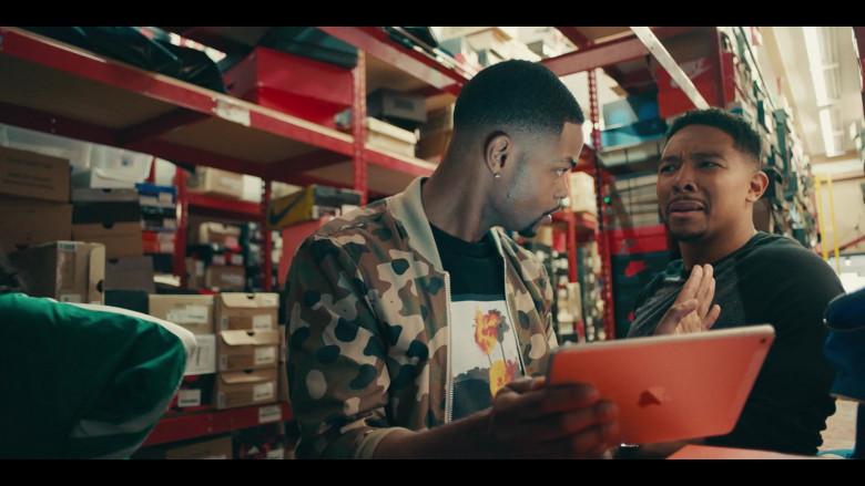 Apple iPad Tablet of Andrew Bachelor as Bobby in Sneakerheads S01E02 (1)