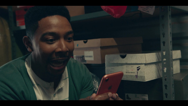 Apple iPhone Smartphone of Allen Maldonado as Devin in Sneakerheads S01E01