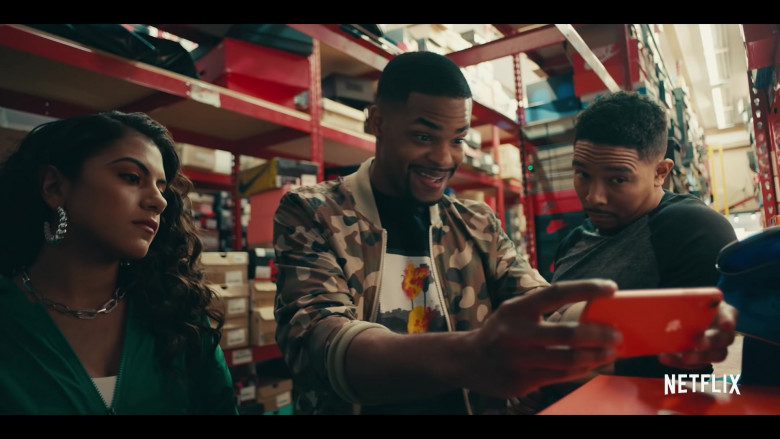 Apple iPhone Smartphone of Andrew Bachelor (King Bach) as Bobby in Sneakerheads Season 1 (2020)