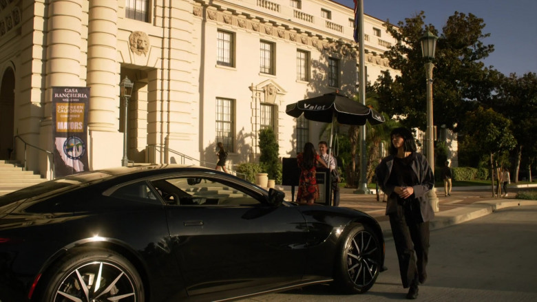Aston Martin Vantage Car of Gabrielle Union as Syd in L.A.'s Finest S02E03 (2)