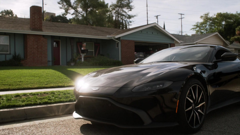 Aston Martin Vantage Sports Car in L.A.'s Finest S02E08