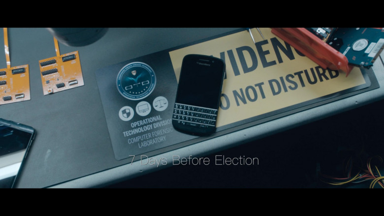 Blackberry Phone (Q10) in The Comey Rule Night One (2020)