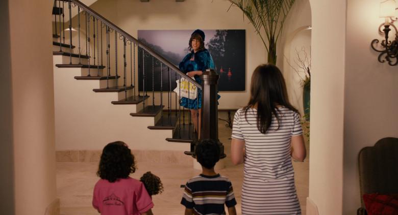 Coco's Restaurant & Bakery Bag Held by Adam Sandler as Jill in Jack and Jill (2)
