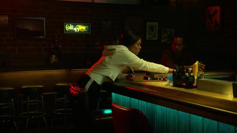Colt 45 Malt Liquor Sign in L.A.'s Finest S02E04 (2)